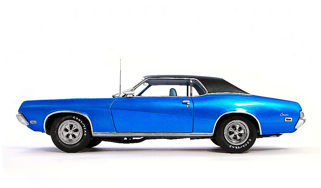 Mercury_Cougar-69_blue_candy(AMT_1-25)wh